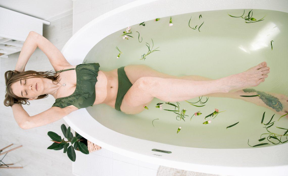 Baño de hierbas posparto